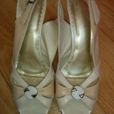 Sandale dama, Marime: 39, Negru - Sandale din piele cu platforma marimea 39, aproape noi!