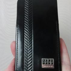 Husa Iphone 4 piele, cristale negre, marca Swarovski original - Husa Telefon Apple, Negru