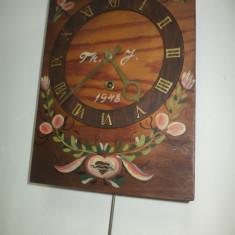 Ceas de perete superb antic datat pictat manual, functional - Pendula