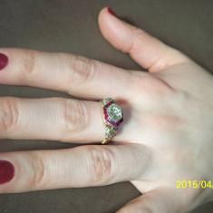 Inel aur - Inel de aur cu diamant central de 2 carate