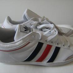 Adidasi barbati, Piele naturala - Adidasi originali Plincana Low Trainer Mens White-Navy-Redd, marimea 45.