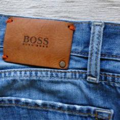 Blugi Hugo Boss Regular Fit; marime 34 (W) / 30 (L), vezi dimensiuni; ca noi - Blugi barbati, Culoare: Din imagine, Drepti