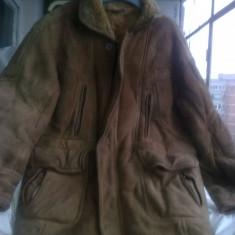Cojoc romanesc, blana naturala, stare perfecta, masura 50, L