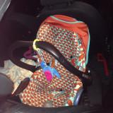 Scaun auto bebelusi grupa 0+ (0-13 kg) Maxi Cosi, 0-6 luni, Multicolor, Opus directiei de mers - Scoica Maxicosi Cabriofix