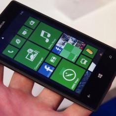 Nokia Lumia 520 Nou Liber de retea - Telefon mobil Nokia Lumia 520, Negru, Neblocat