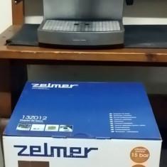 Espressor manual Zelmer Maestro 13Z012, Dispozitiv Spumare, 15 Bar, 2.1 l, Inox