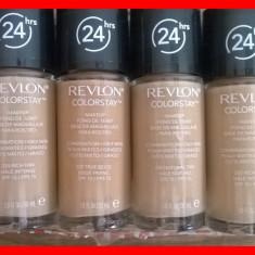 Fond de ten - Revlon COLORSTAY - Ten Mixt / Gras / Oily Skin (12 nuante disponibile)