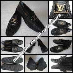 Pantofi barbati Louis Vuitton, Piele naturala - MOCASINI NEGRI BARBATI GEN FIRMA LOUIS VUITTON PANTOFI ELEGANTI PIELE TIP SARPE