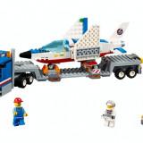 LEGO® CITY Transportor de avion cu reactie