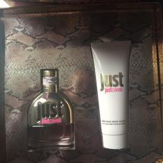 Set Parfum si crema de corp Roberto Cavalli Just Cavalli Original - Parfum femeie Roberto Cavalli, 50 ml