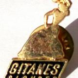 T3. INSIGNA TIP PIN RECLAMA LOGO TIGARI Gitanes Blondes - 25 x 17 mm **