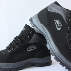 Bocanci barbati - Bocanci Ghete Nike Mandara Negru