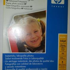 Vand hartie foto glossy HP Advanced Photo Paper sigilata, A4, 25 coli, 250g/m2 - Hartie foto imprimanta