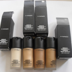 Fond de ten Mac Cosmetics original MAC Mineralize Satinefinish SPF 15, Lichid