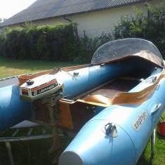Barca pneumatice - Proprietar când barca pneumatică. Cu motor