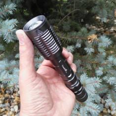 Lanterna Originala TrustFire Z5 cu ZOOM si Led CREE XM-L2 (Pachet Complet) NOU