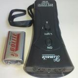 Aparat ultrasunete - Aparat cu ultrasunete impotriva cainilor DOG CHASER ZF-853E + Laser