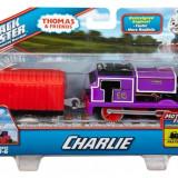 Trenulet locomotiva motorizata Charlie cu vagon - Thomas&Friends Track Master