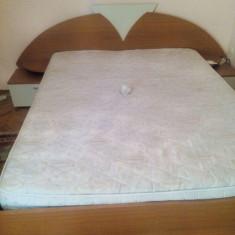 Vând mobila dormitor. Pret negociabil - Set mobila dormitor