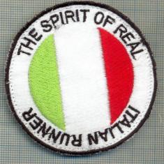 200 -EMBLEMA SPORTIVA - ITALIAN RUNNER-THE SPIRIT OF REAL -starea care se vede