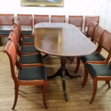 REDUCERE 20% Masa cu 10 scaune. Chesterfield made in England.