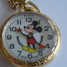 Ceas de mana - Ceas vintage cu Mickey Mouse, mecanic.