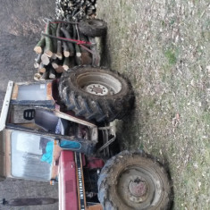 Tractor 4 × 4 International - Utilitare auto