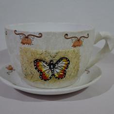 Ghiveci flori - ceasca cu farfurie - fluture