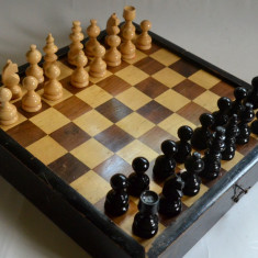 Joc vechi de sah, table si moara din lemn - anii '50 Germania - Table sah