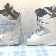 SCHIURI SI CLAPARI - Set ski