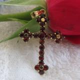 Pandantiv aur - Pandantiv cruciulita aur cu granate, medalion