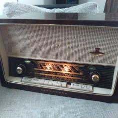 Aparat radio - Radio vintage cu lampi Nordmende Carmen HiFi E18, stare excelenta.
