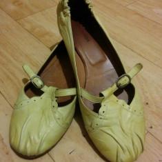 Pantofi din piele marimea 38, 5, sunt noi! - Pantof dama Bally, Culoare: Crem, Piele naturala