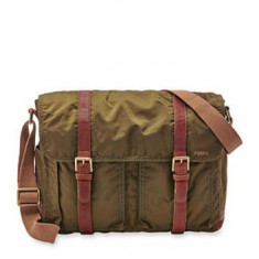 GEANTA FOSSIL WASHED NYLON MESSENGER OLIVE - Geanta Barbati Fossil, Marime: Medie, Servieta