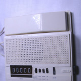 radio vechi cu ceas si telefon de colectie functional; este f. rar
