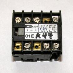 Contactor AEG LS07 3 contacte NO si unul NC cu actionare 24Vdc(618)