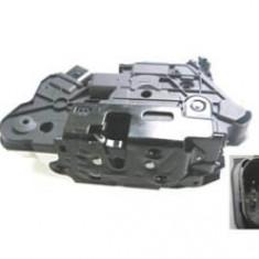 Broasca usa Skoda Fabia 2 Superb 2 Vw Amarok Passat CC Scirocco partea fata stanga 5N1837015C - Incuietoare interior - exterior Valeo
