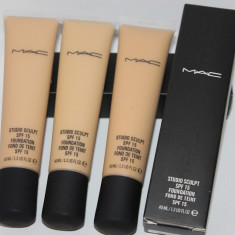 Fond de ten Mac Cosmetics MAC Studio Sculpt cu factor protectie SPF 15 ( Fond de ten Mac Cosmetics fluid )