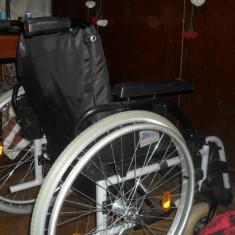 Carut pentru transport persoane cu dizabilitati - Scaun cu rotile