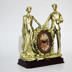 Statueta din rasina cu ceas - Miri - Produs Nou - LICHIDARE DE STOC - Bibelou