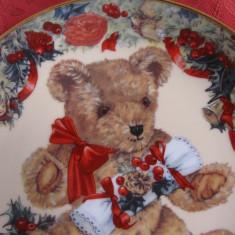 FARFURIE DECORATIVA PORTELAN ENGLEZESC EDITIE LIMITATA TEDDY S FIRST CHRISTMAS