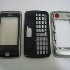 Carcasa telefon - LG GW520 Carcasa Originala TOUCH SCREEN 3 Piese Swap Argintie