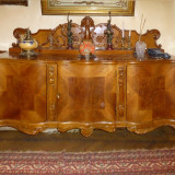 Mobila veche  -  lemn masiv