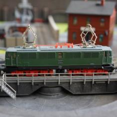 Locomotiva electrica BR242 DR Ep. IV - scara TT (1:120) - Macheta Feroviara, Locomotive