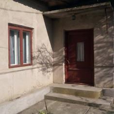 VAND CASA CU TEREN - Casa de vanzare