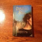 MOSTENIREA, de Danielle Steel - Roman dragoste