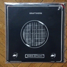 KRAFTWERK - Radio-Activity - Muzica House capitol records, VINIL