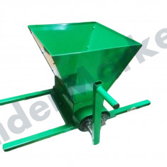 Storcator zdrobitor manual pentru struguri - Zdrobitor struguri