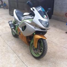 Vand sau schimb - Motocicleta Yamaha