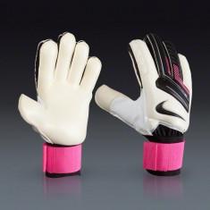 Manusi (diverse modele) pentru portar de fotbal originale Nike GK Match Unisex - Echipament portar fotbal